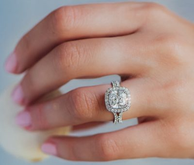 Uneek-Halo-Engagement-Ring-Cushion-Diamond