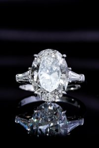 oval engagement ring trend
