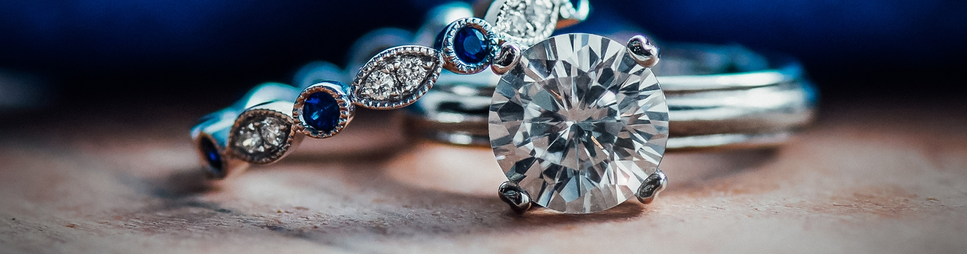 Solitaire/Non-Halo Engagement Rings